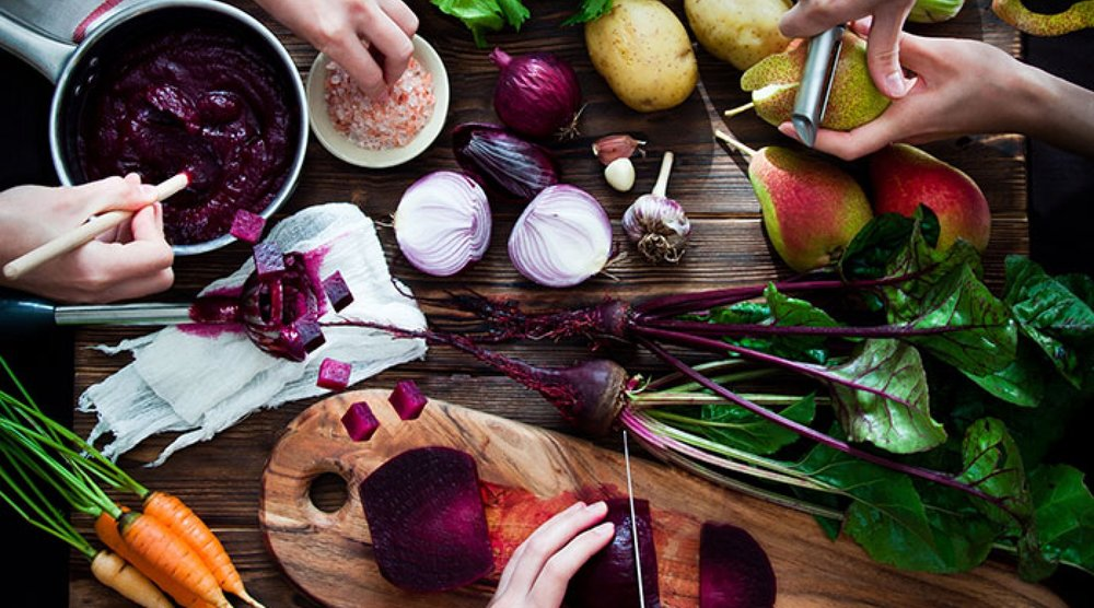 Cooking-Beetroot-Soup---letterberry_Thinkstock-WEB-PS-2.jpg