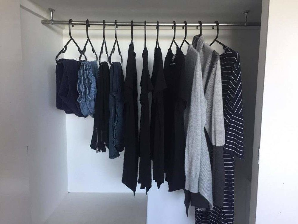 26-mens-minimalist-wardrobe-magnificient-capsule-wardrobe-fashion-blogy-minimal-blogi-12d-mens-list-style-art-of-mens-minimalist-wardrobe.jpg