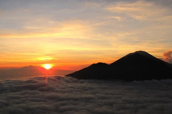 mount-batur-sunrise-hiking.jpg