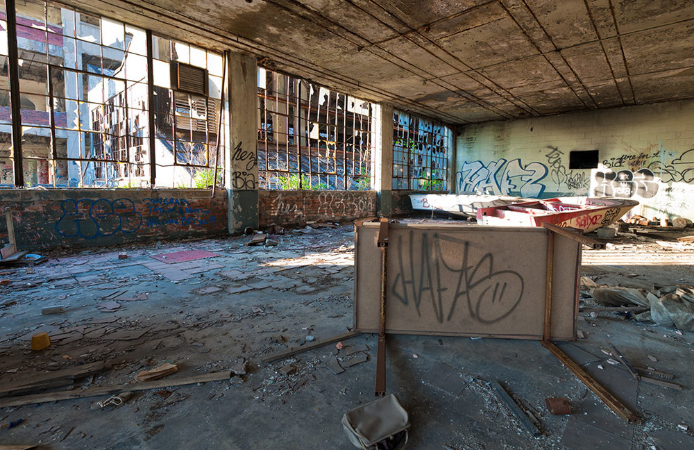Adam-Jacobs-Photography-Abandoned-Spaces-Landscape-8(web).jpg