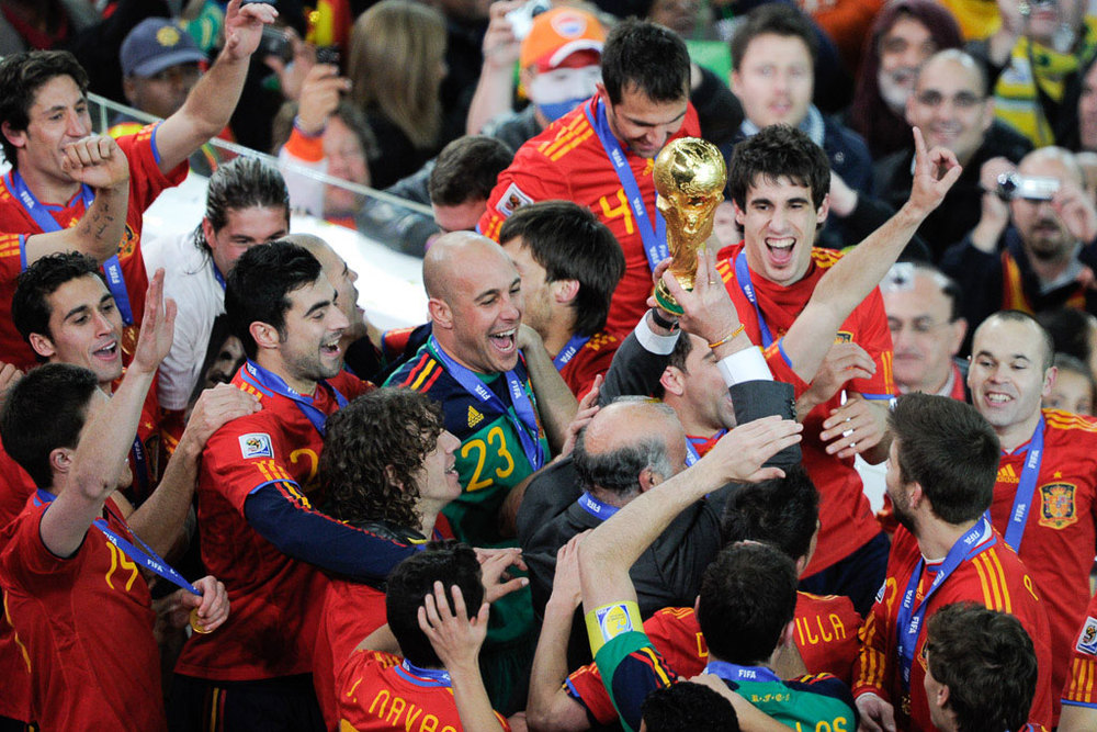 Spain-World-Cup-Trophy-Win_Adam-Jacobs-Photography(web).jpg