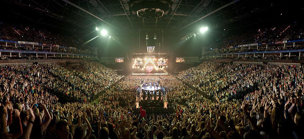 JLS-Concert_O2-Arena.jpg
