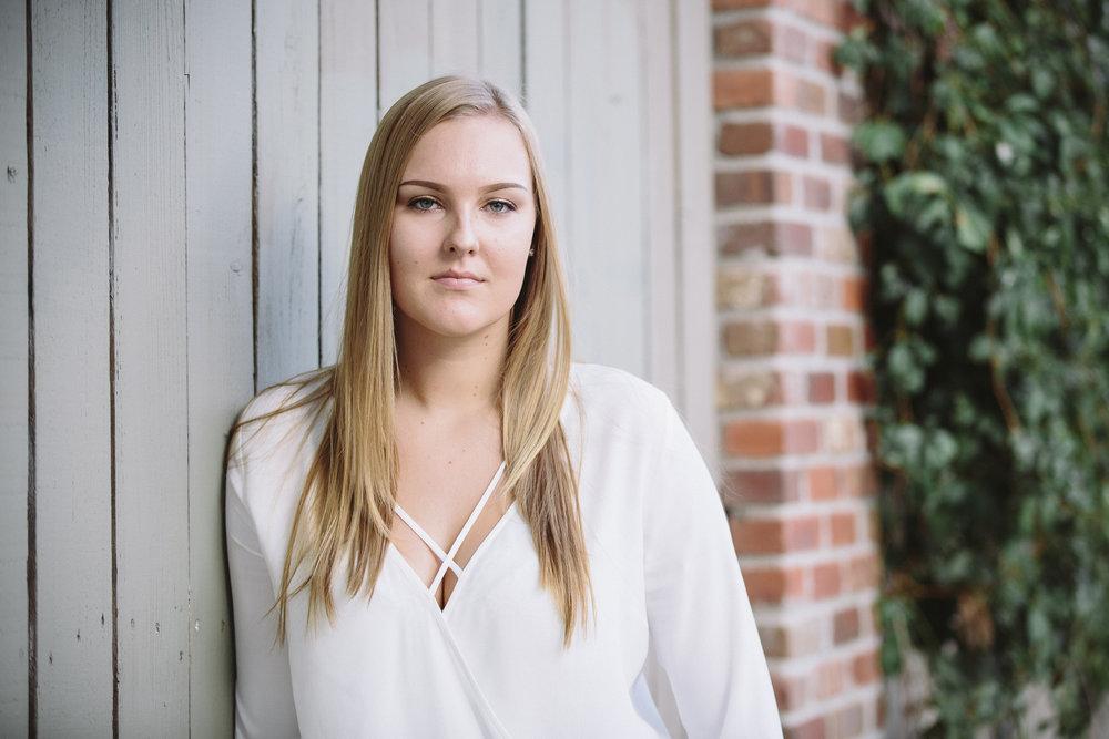 MP_Senior Portraits-Leah Van Der Sanden-2611-web.jpg
