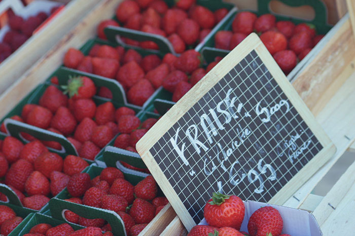 Strawberry stall at a market in Provence | Cloudberry Lane