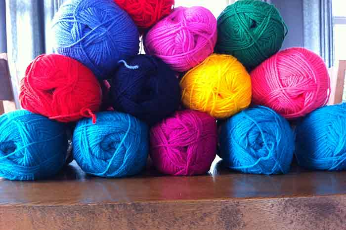 How to choose the wool and colours for a crochet granny blanket