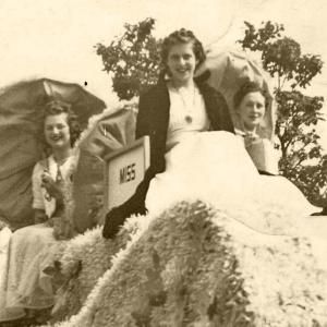 Bessie Schiesser Licher, Dorothy Bidlingmaier Wild & Lillian Fleek Brandenburg (1940)