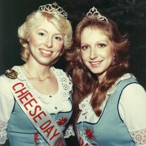 Cathy Gruninger Dols & Ramona Gordee Bureau (1982)