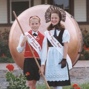 Logan Stamm & Brianna Zimmerman (2000)
