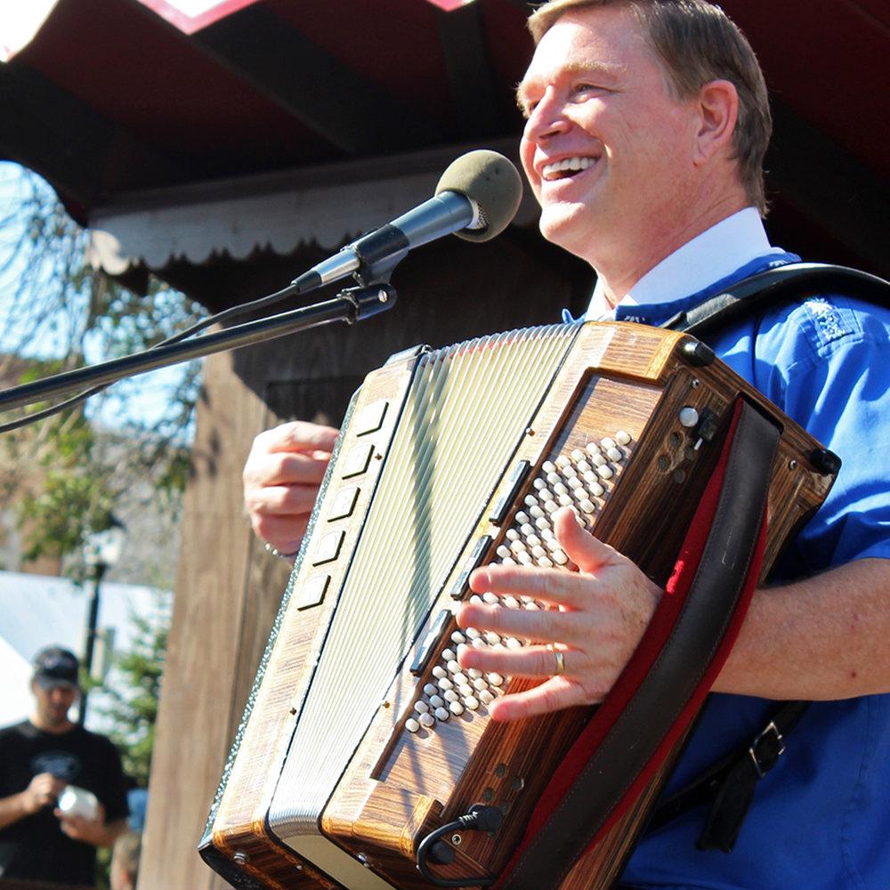 accordion entertainer kerry christensen.jpg
