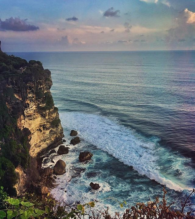 """""""We are tied to the ocean. And when we go back to the sea, whether it is to sail or to watch - we are going back from whence we came..."""" #johnfkennedy #bali🌴 #sea #ocean #sunset #goingback #lastday"""