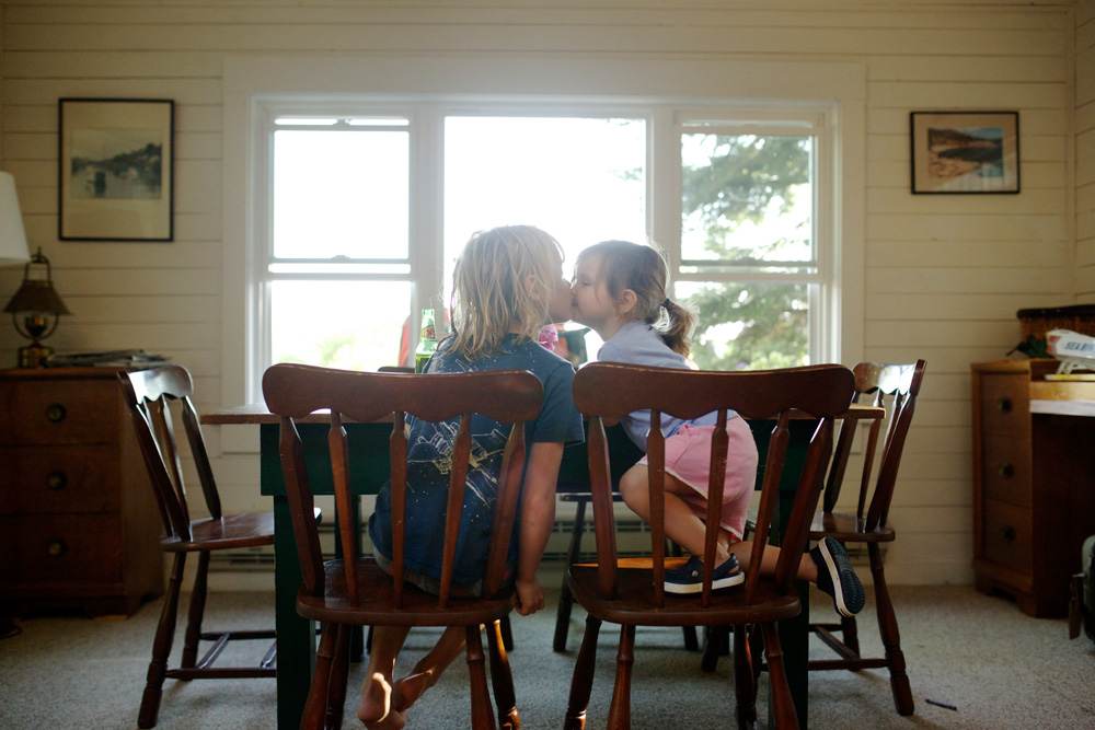 229/365 a kiss before kid dinner