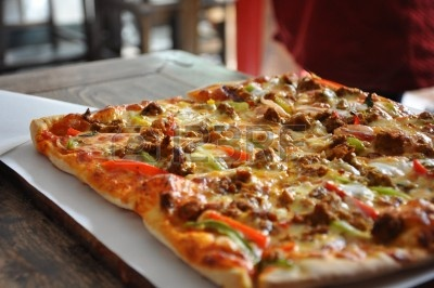 7601127-pizza-in-the-hutongs-in-beijing-in-china.jpg