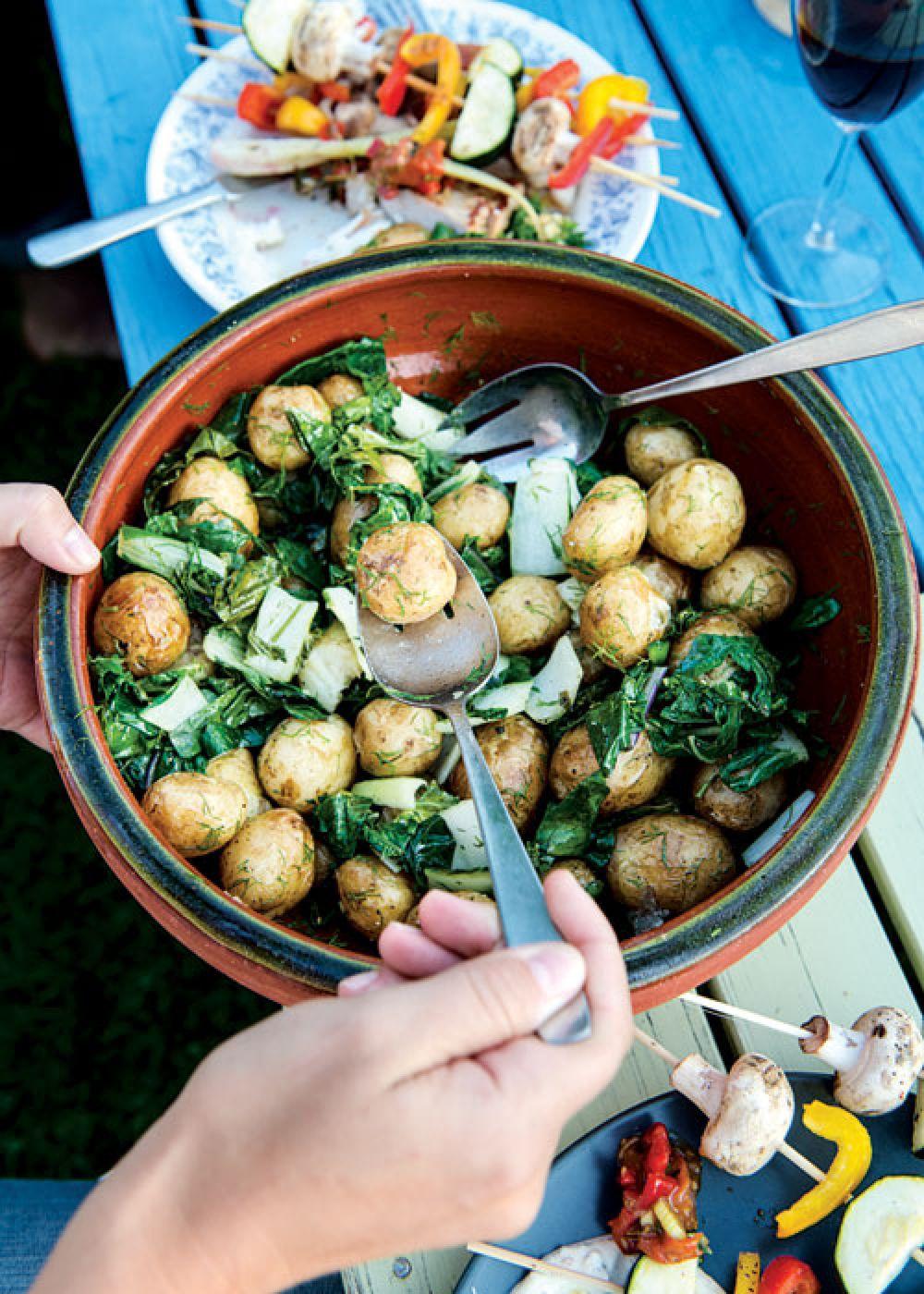 Kohlrabi Potato Salad or POTATISSALLAD MED KÅLRABBI OCH DILL