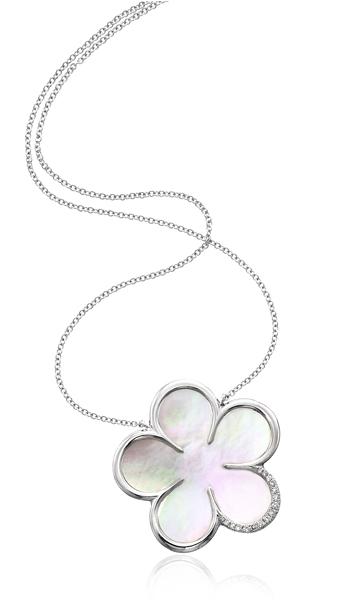Silver Flower Pendent.jpg