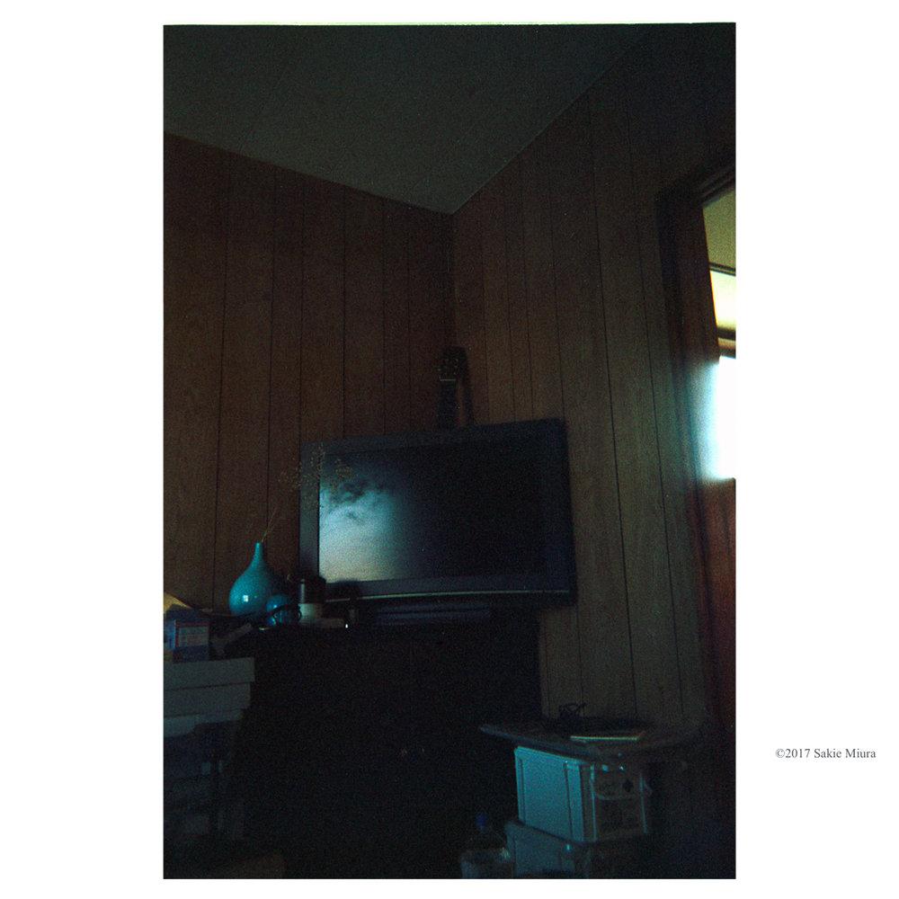 テレビ A TV