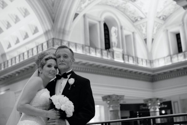 Dyan & Ted hosted their wedding at The Forum Shops at Caesars.