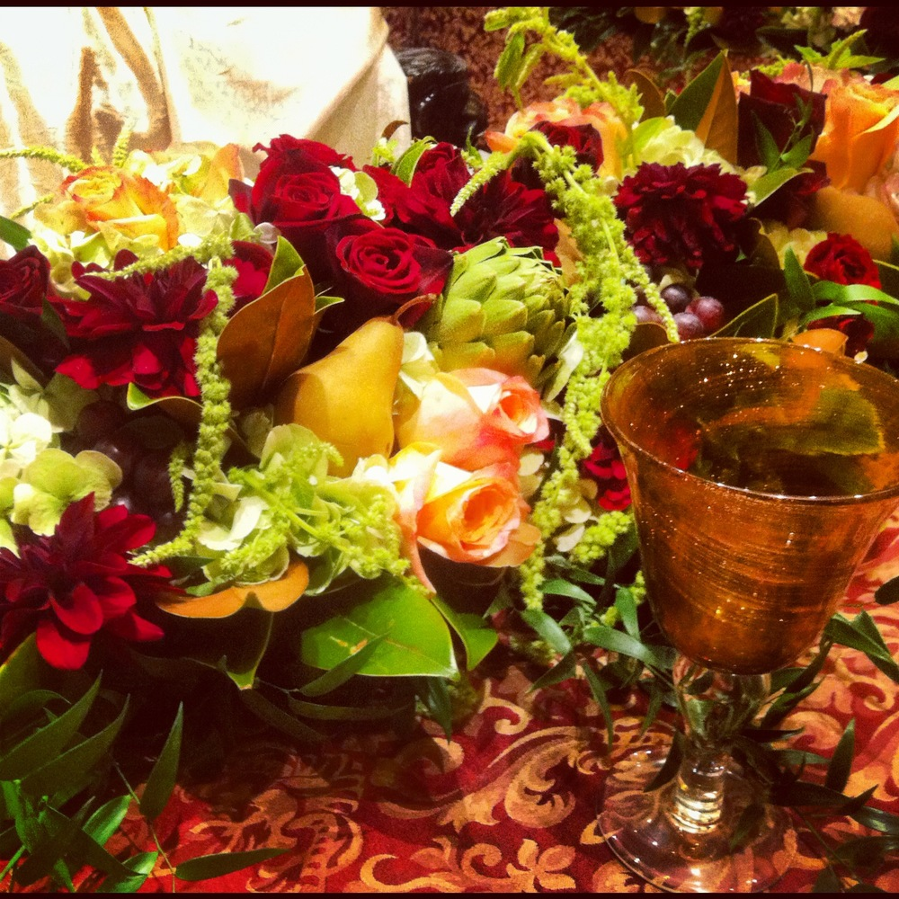 My behind-the-scenes close up of the to-die-for florals! And love the goblet!