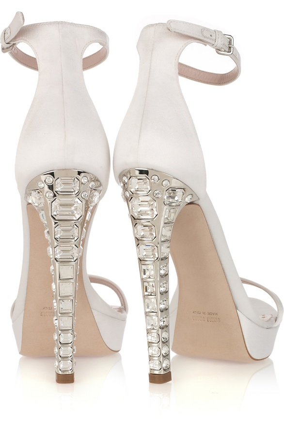 MUI MUI Wedding Shoes! Could you die!?!? Seriously…The most amazing wedding shoes and the newest Andrea Obsession! Shoes by MUI MUI, available now on The Outnet!