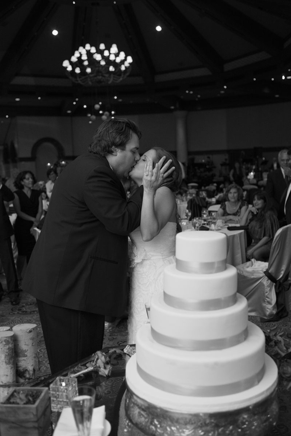 Kisses & Cake -Photo by www.altf.com.