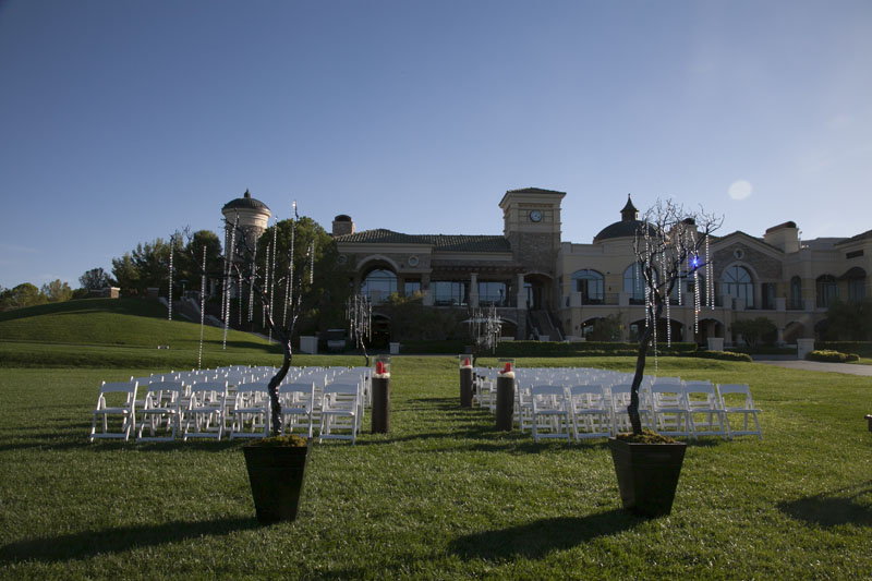 Perfect for the bride looking for a fairytale - A Castle Wedding in Las Vegas.  Photo by www.altf.com.