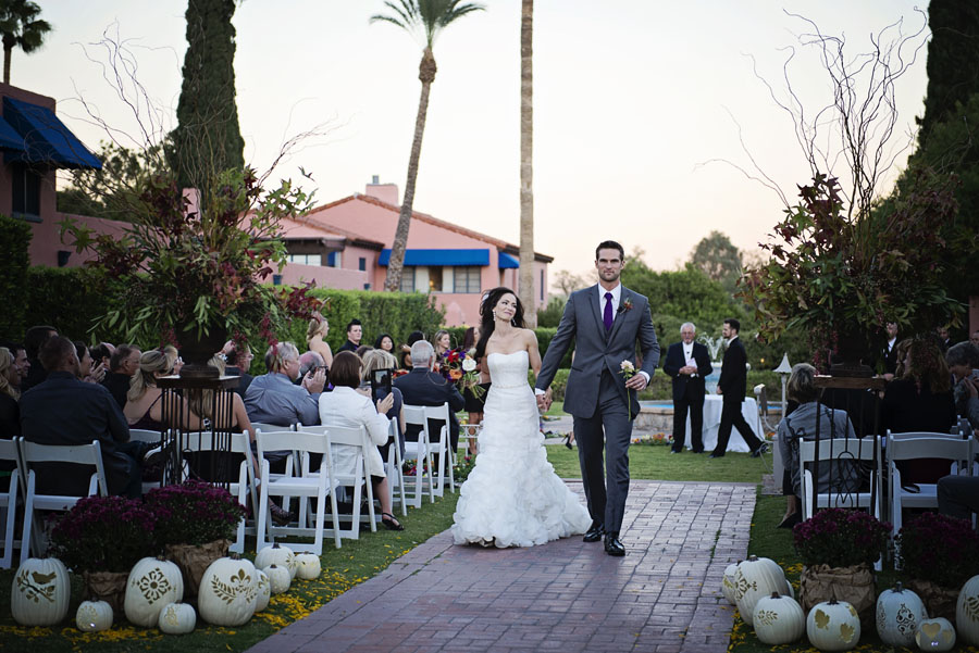Congratulations Lori & Brian!   Planning by Las Vegas Wedding Planner Andrea Eppolito Events.  Photography by Raylene Streuber.  Location: The Arizona Inn, Tucson.