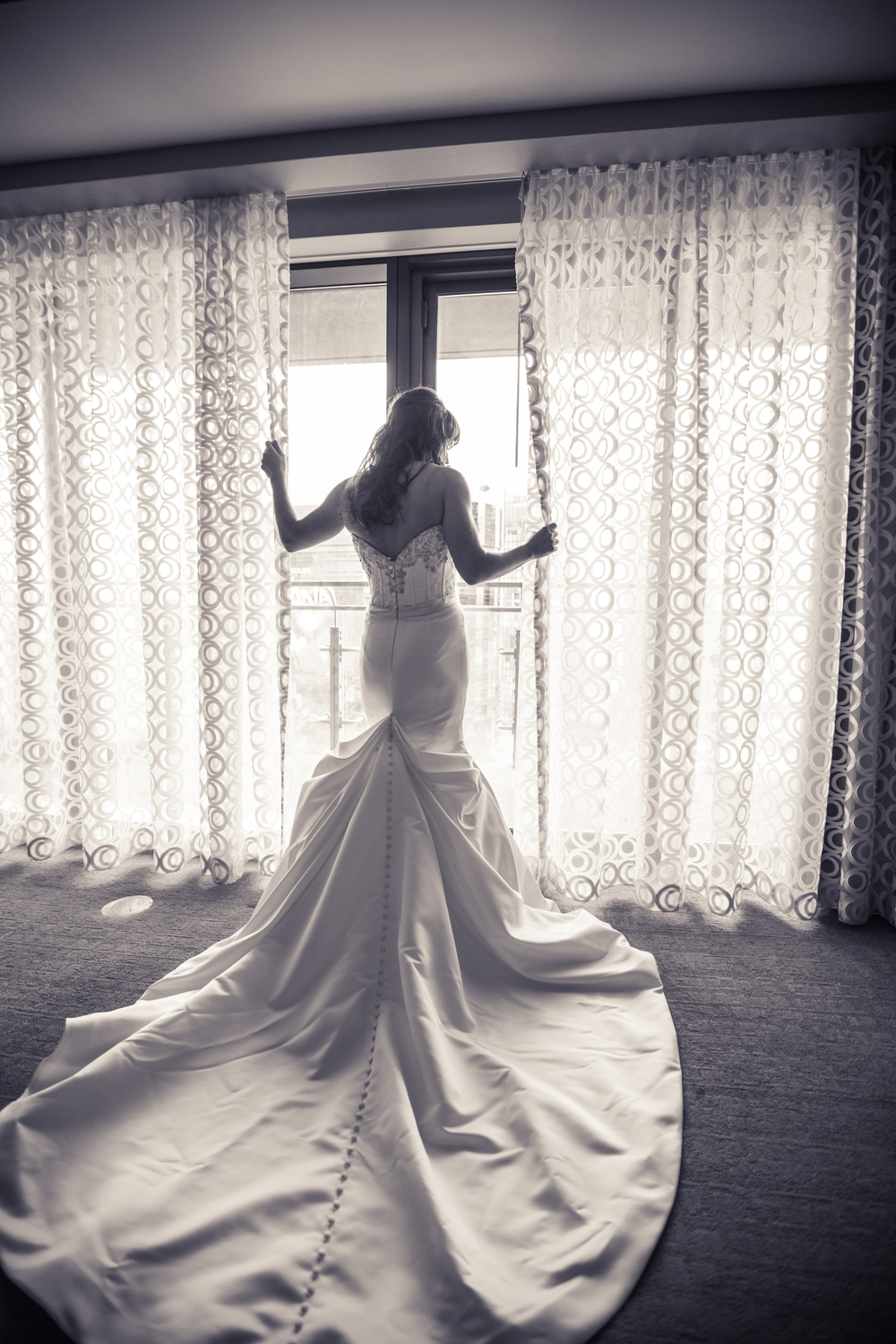 My bride Michelle was a vision in her Victor Harper wedding gown at The Cosmopolitan Las Vegas. Las Vegas Wedding at Siena Golf Club  |  Photography by Ella Gagiano  |  Las Wedding Planner Andrea Eppolito