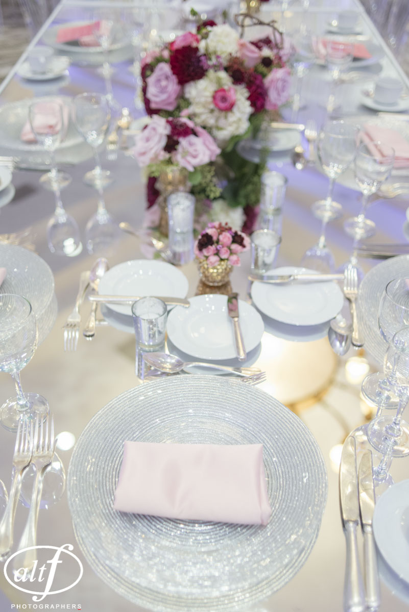 Tables by STYLE & Flowers by Naakiti Floral