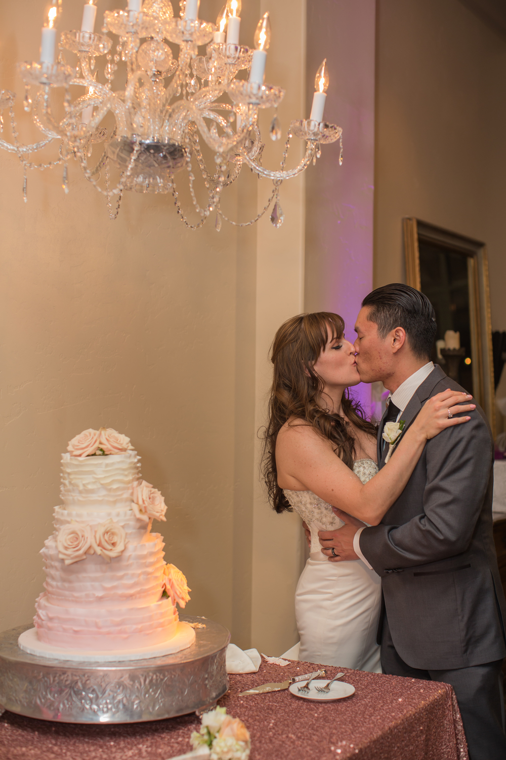 Ombre Cake and Sweet Kisses. Las Vegas Wedding at Siena Golf Club  |  Photography by Ella Gagiano  | Floral and Decor by Naakiti Floral  |  Las Wedding Planner Andrea Eppolito