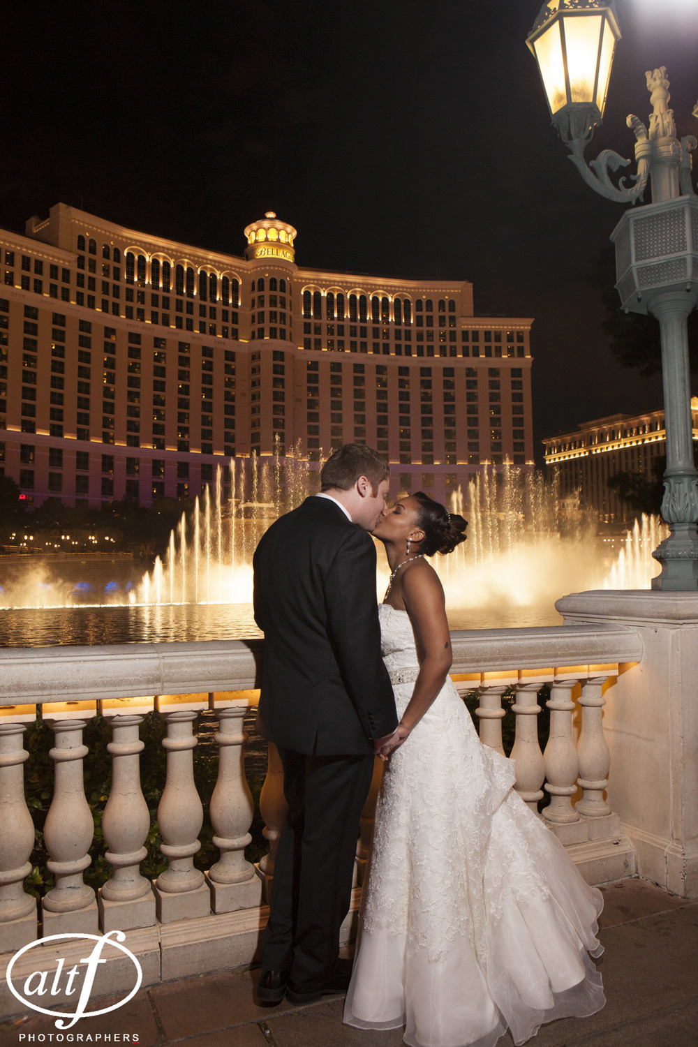 Wedding Photos at Bellagio Fountain.  Las Vegas Wedding Planner Andrea Eppolito  |  Wedding at Bellagio  |  Photo by Alt F