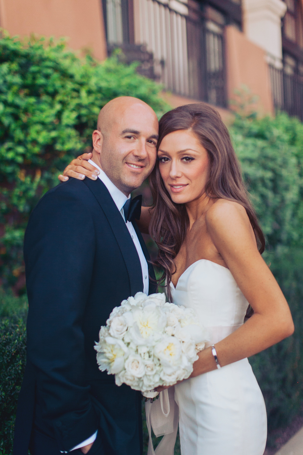 Formal Wedding Portrait.   Stephanie Di Lallo married   Justin Oliver at a water front   wedding at The Westin Lake Las Vegas.       Las Vegas Wedding Planner Andrea Eppolito  |  Wedding at Lake Las Vegas  | White and Blu  sh and Grey Wedding | Luxury Wedding Las Vegas