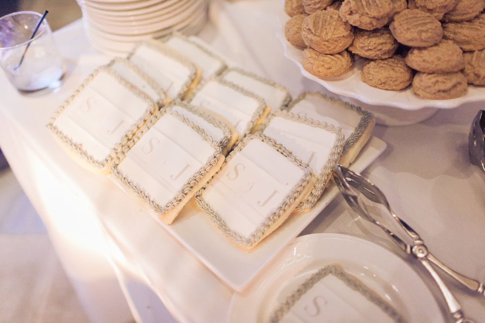Monogrammed Sugar Cookies.   Stephanie Di Lallo married   Justin Oliver at a water front   wedding at The Westin Lake Las Vegas.       Las Vegas Wedding Planner Andrea Eppolito  |  Wedding at Lake Las Vegas  | White and Blu  sh and Grey Wedding | Luxury Wedding Las Vegas