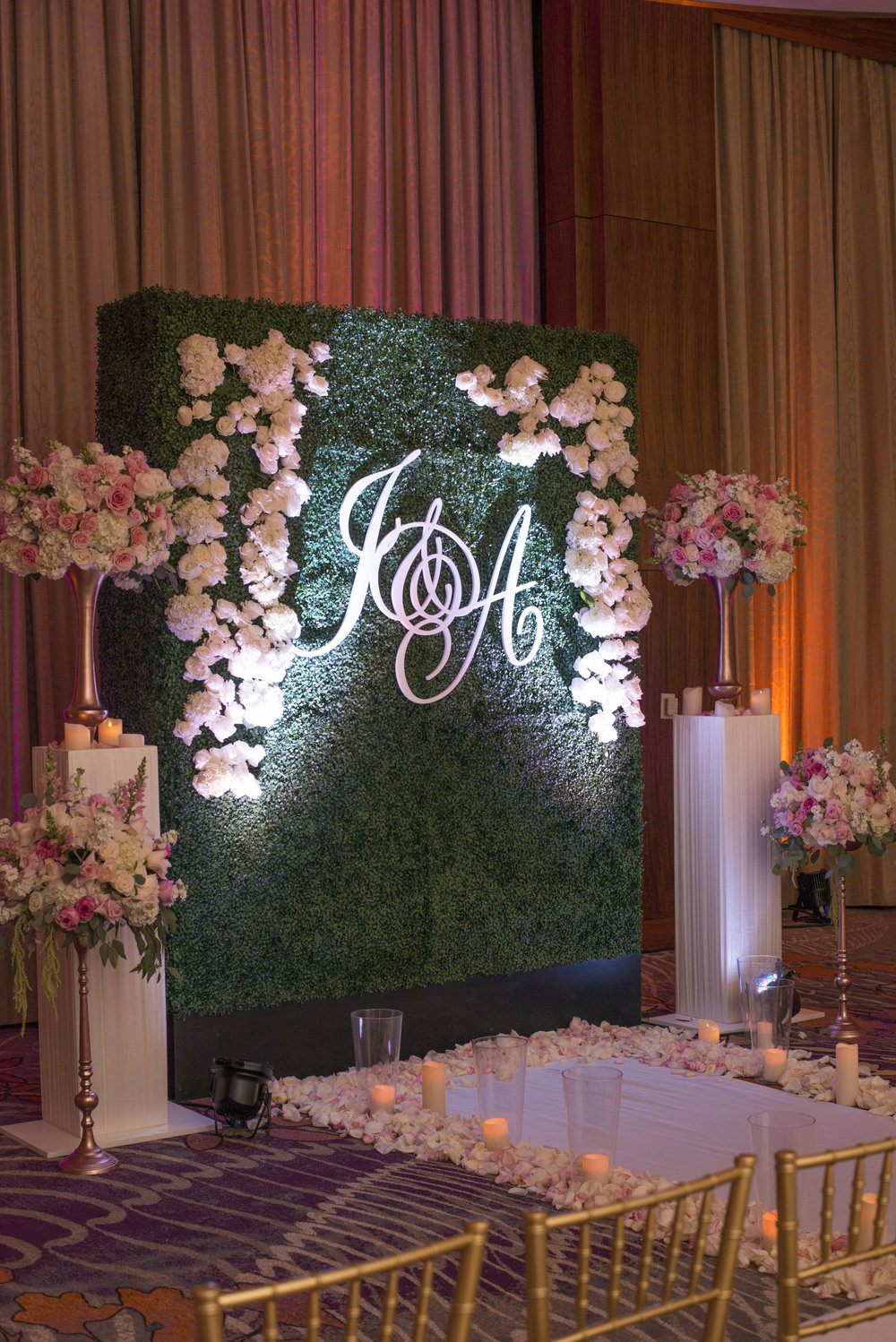 Hedge wall inside a ballroom.   Las V  egas   Wedding Planner Andrea Eppolito  .    Image by AltF.  Floral by DBD Vegas.