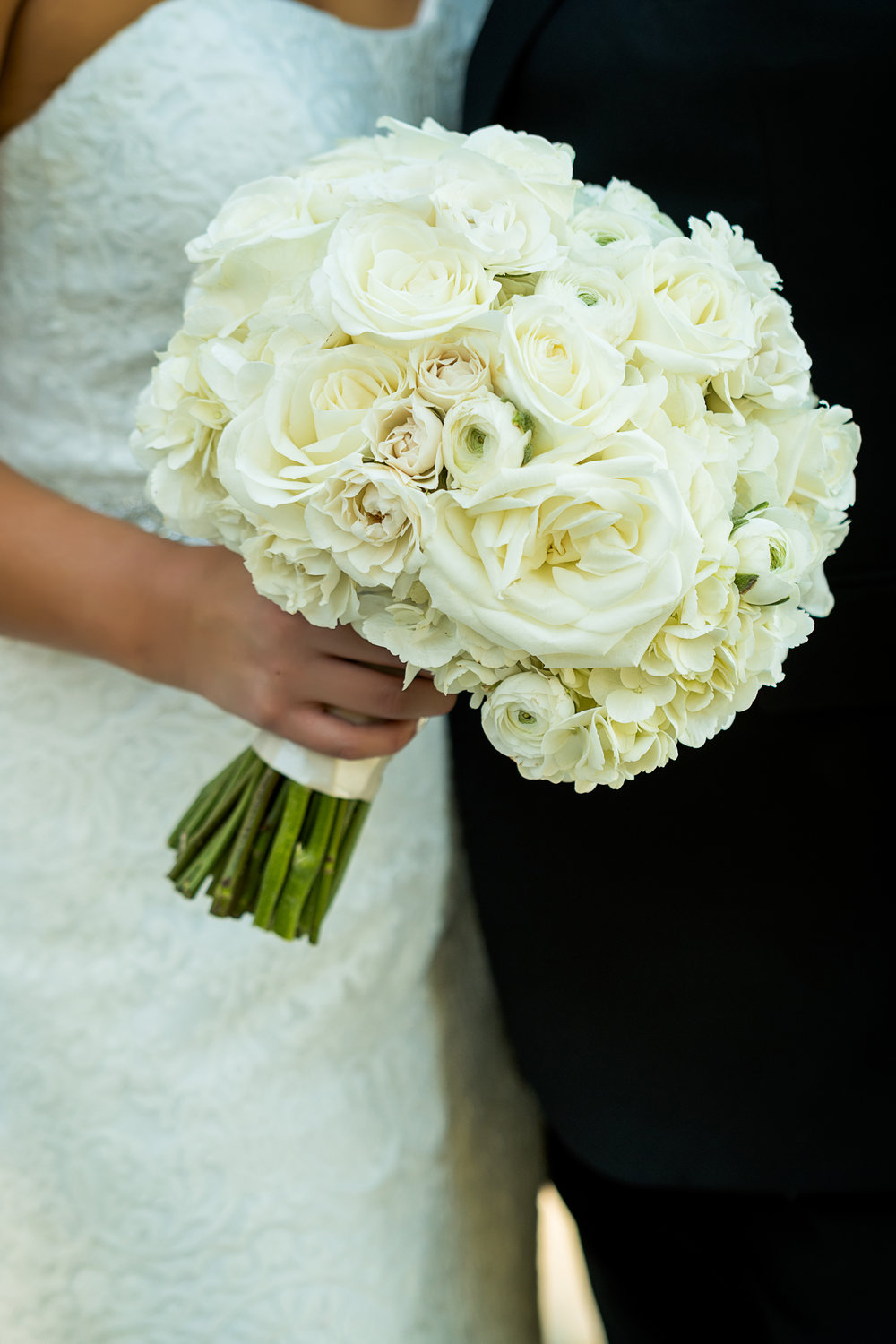 Ivory and textured bouquet by Naakiti Floral. Las Vegas Wedding Planner Andrea Eppolito.  Photo by Studio JK.
