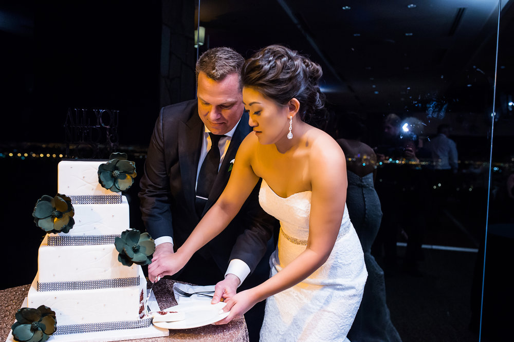 Cake cutting. Las Vegas Wedding Planner Andrea Eppolito.  Photo by Studio JK.