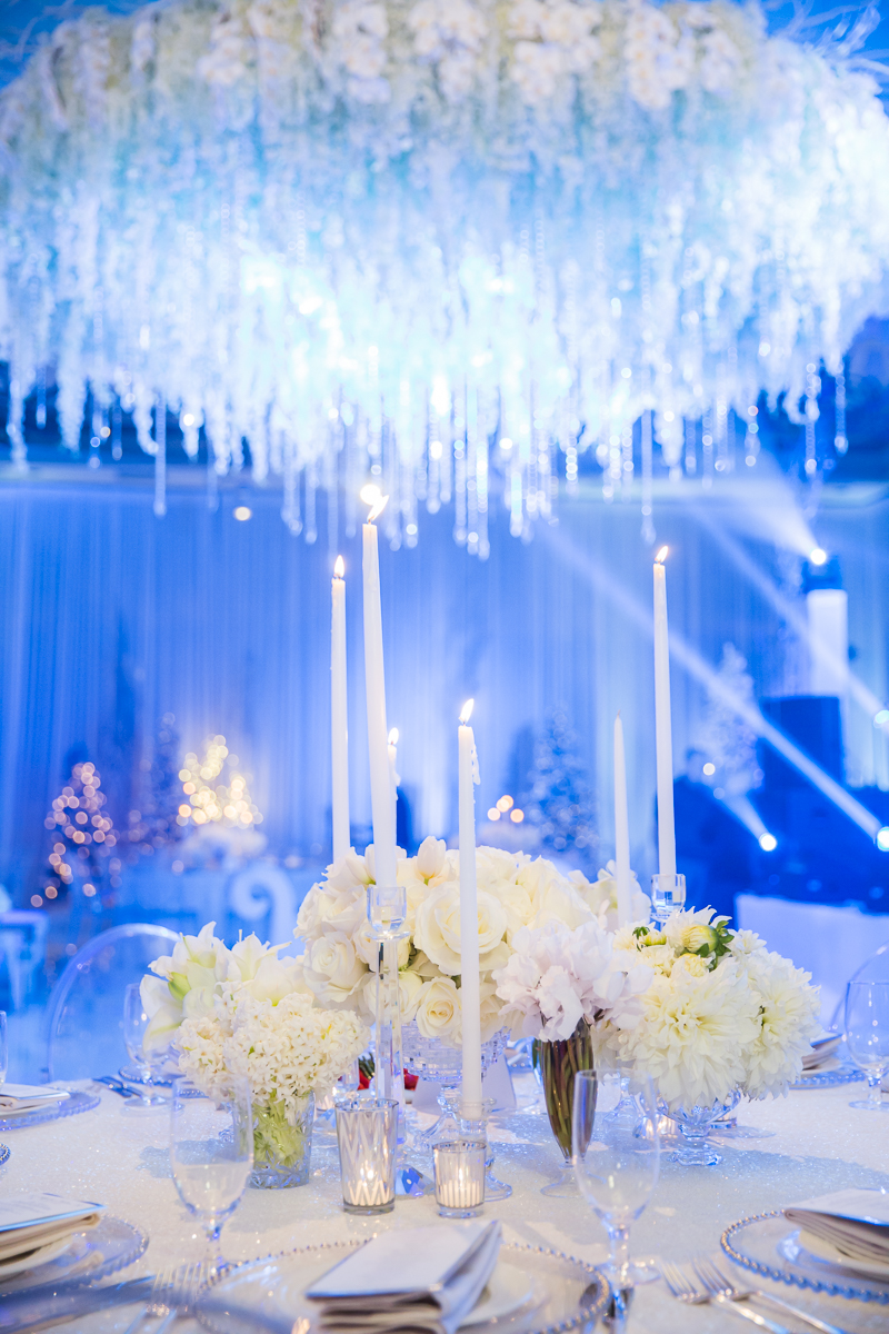 White on white wedding decor.  Las Vegas Wedding Planner Andrea Eppolito.  Photo by Stephen Salazar.