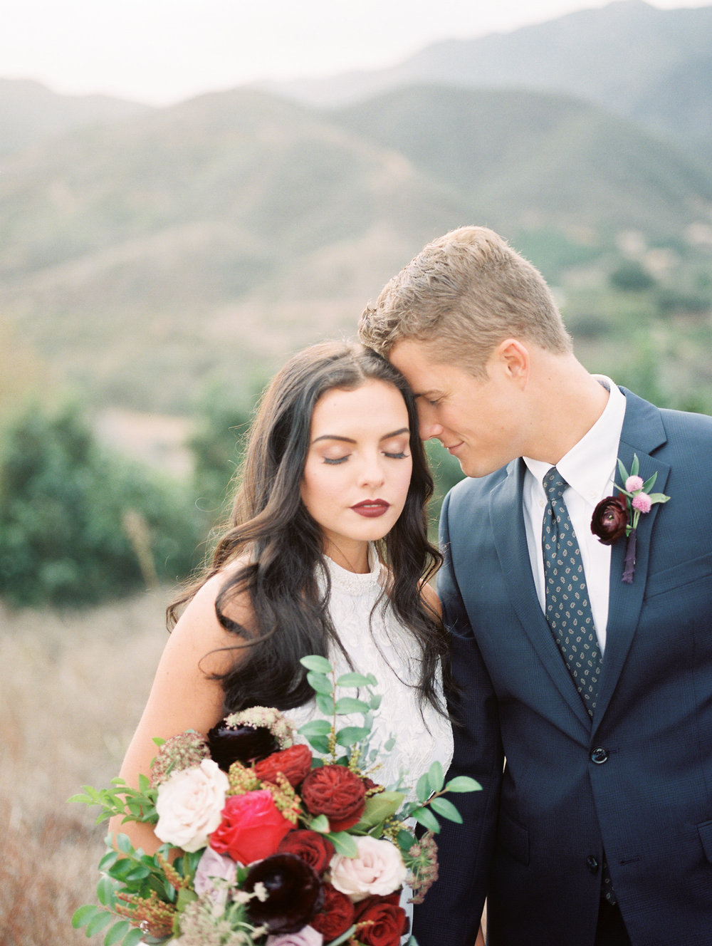 Las Vegas Wedding Planner shares a Valentine's Day Styled Shoot by http://elwynnandcass.com/