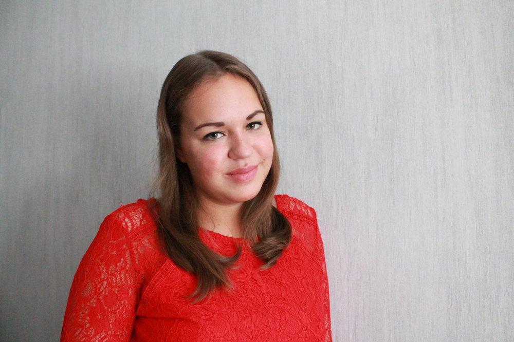 Paikallinen kouluttaja Heli Virtanen kannustaa kaikkia kouluttamisesta kiinnostuneita hakemaan rohkeasti mukaan.