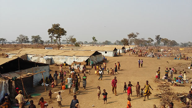 Mass shelters in Nyarugusu Refugee Camp. Photo: Aaron Tate/ CWS