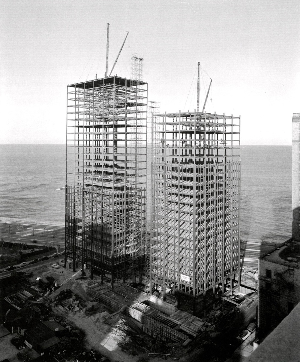 Hedrich-Blessing Studio, Construction Photograph od Mies van der Rohe's Apartment Towers at 860-880 Lake Shore Drive, (1950).jpg
