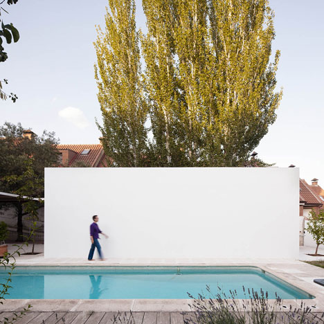 dezeen_Little-White-Box-at-Turegano-House-by-Alberto-Campo-Baeza_1sq.jpg