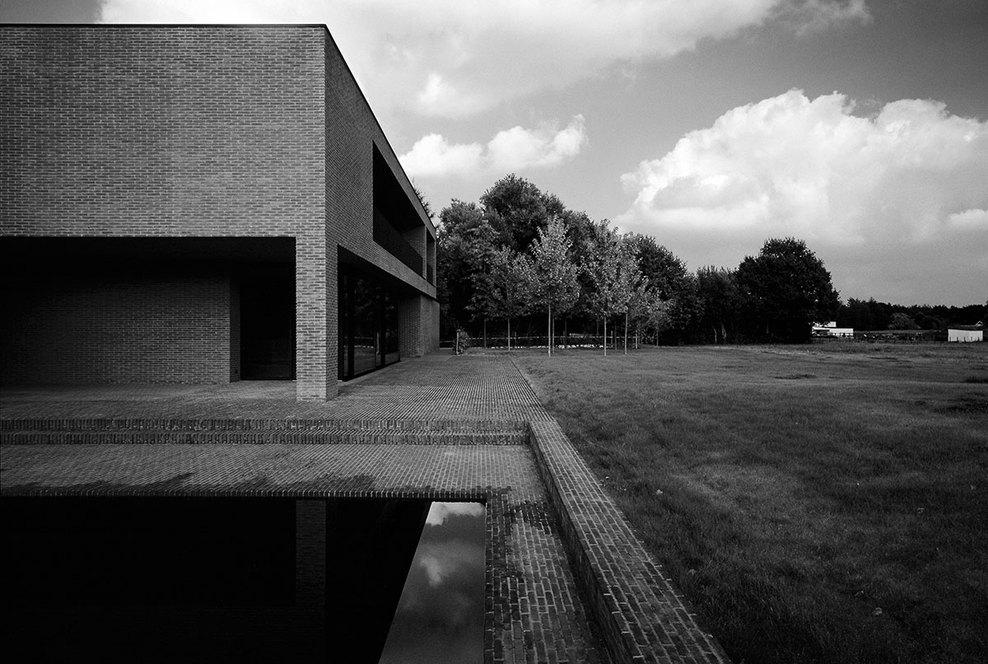 Vincent-Van-Duysen_VDV-G-Residence_full (1).jpg
