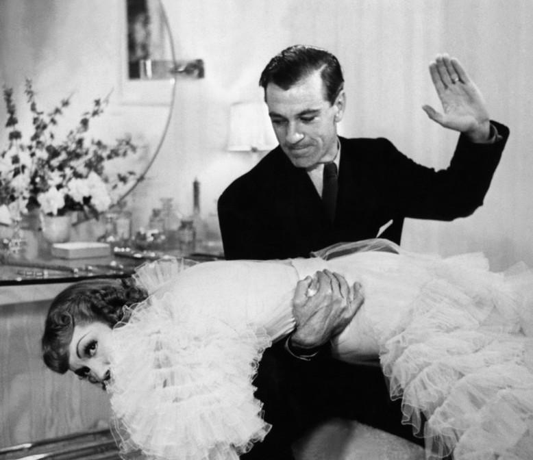 Gary-Cooper-and-Barbara-Stanwyck-in-Bluebeards-Eighth-Wife-1938.jpg