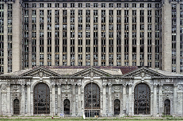 YVES MARCHAND AND ROMAIN MEFFRE - MICHIGAN CENTRAL STATION (CLOSED IN 1988)