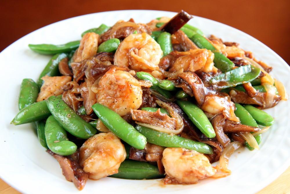Stir-Fried Sugar Snap Peas and Shitake Mushrooms with Shrimp