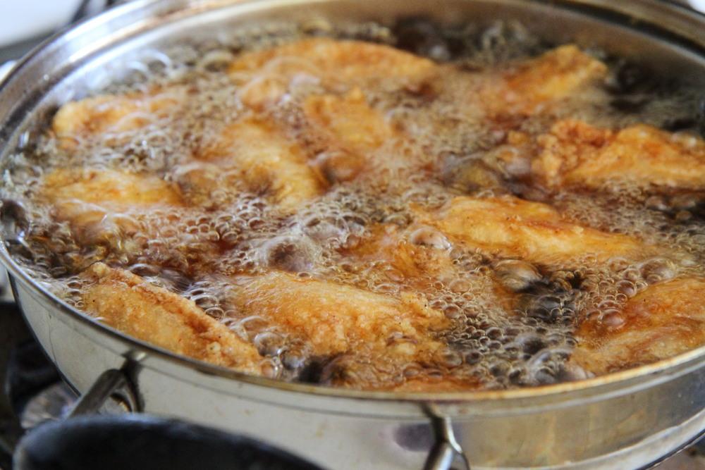 Frying Chicken Wings