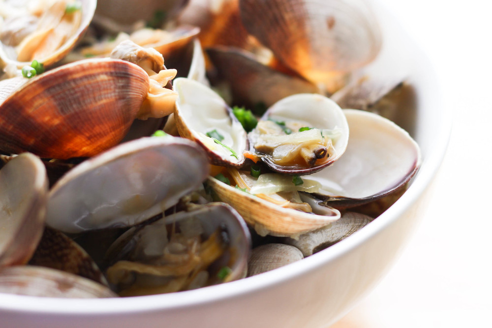 Asian Steamed Clams with Ginger and Rice Wine