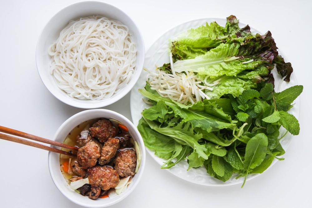 Hanoi-Style Rice Vermicelli with Grilled Pork Recipe (Bun Cha Hanoi)
