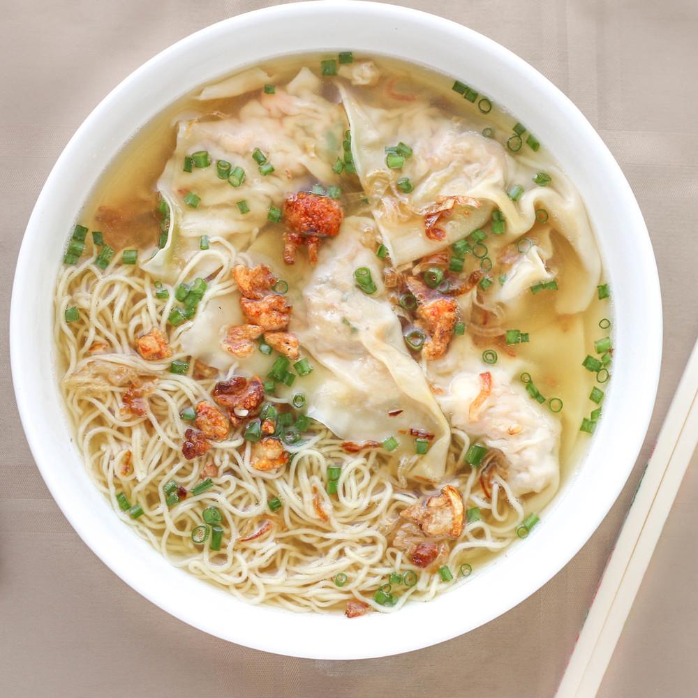 Wonton Egg Noodle Soup (Hoanh Thanh Mi)