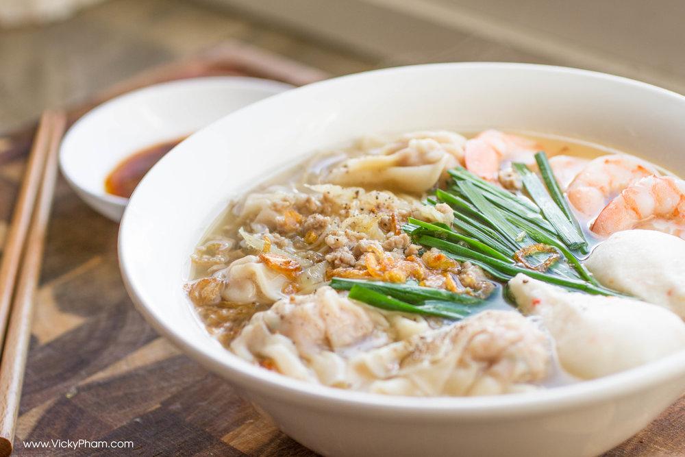 Vietnamese Egg Noodle Wonton Soup (Mì Hoành Thánh)