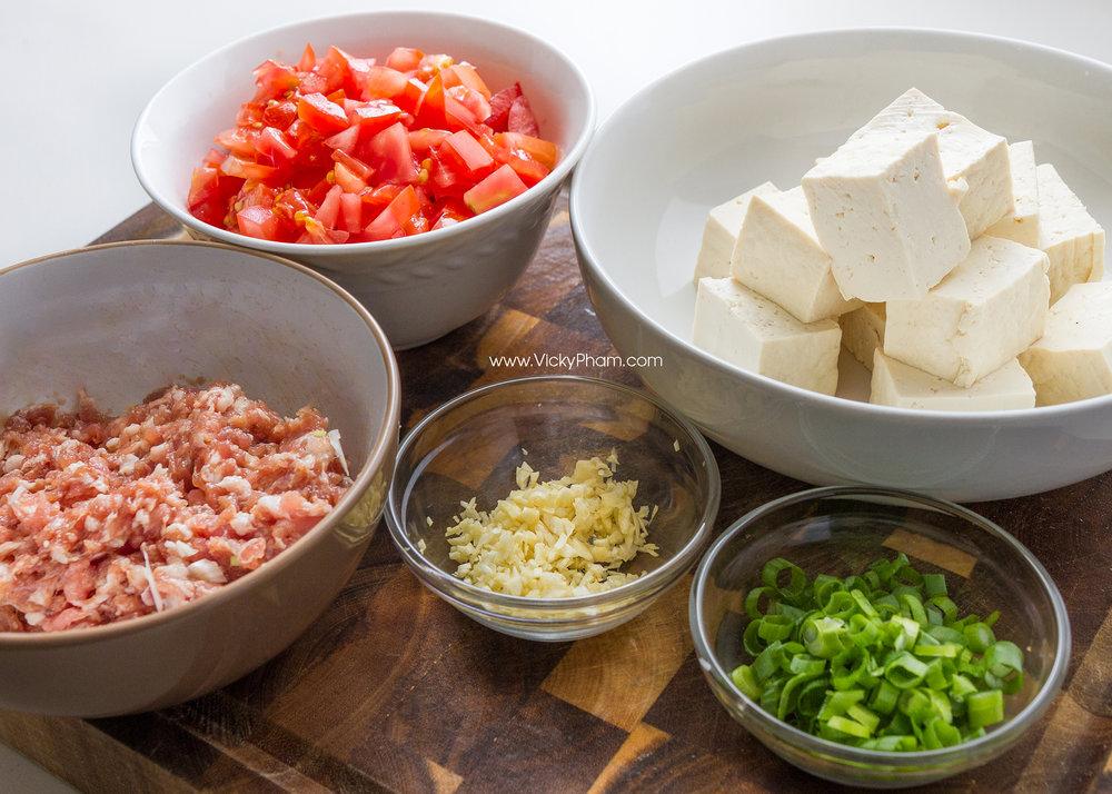 Ground pork, Tomatoes, Tofu, Garlic & Green Onions